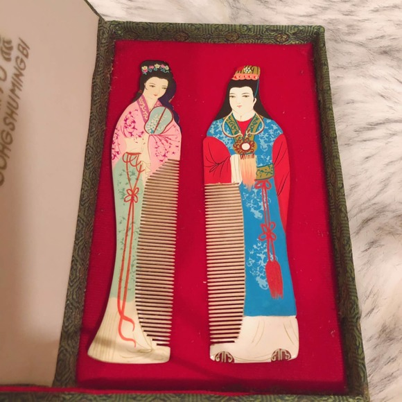 Vintage Chinese Wooden Hair Combs Gift Set